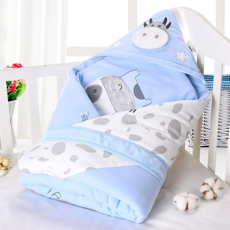 chăn quấn giữ ấm dành cho trẻ sơ sinh .