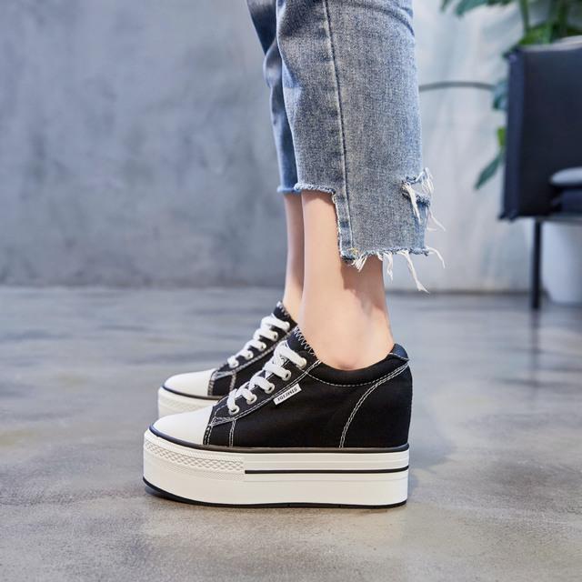 JUMAO Giày bánh mì Giày vải mới 2019 tăng 10CM giày đế bệt thoáng khí thoải mái