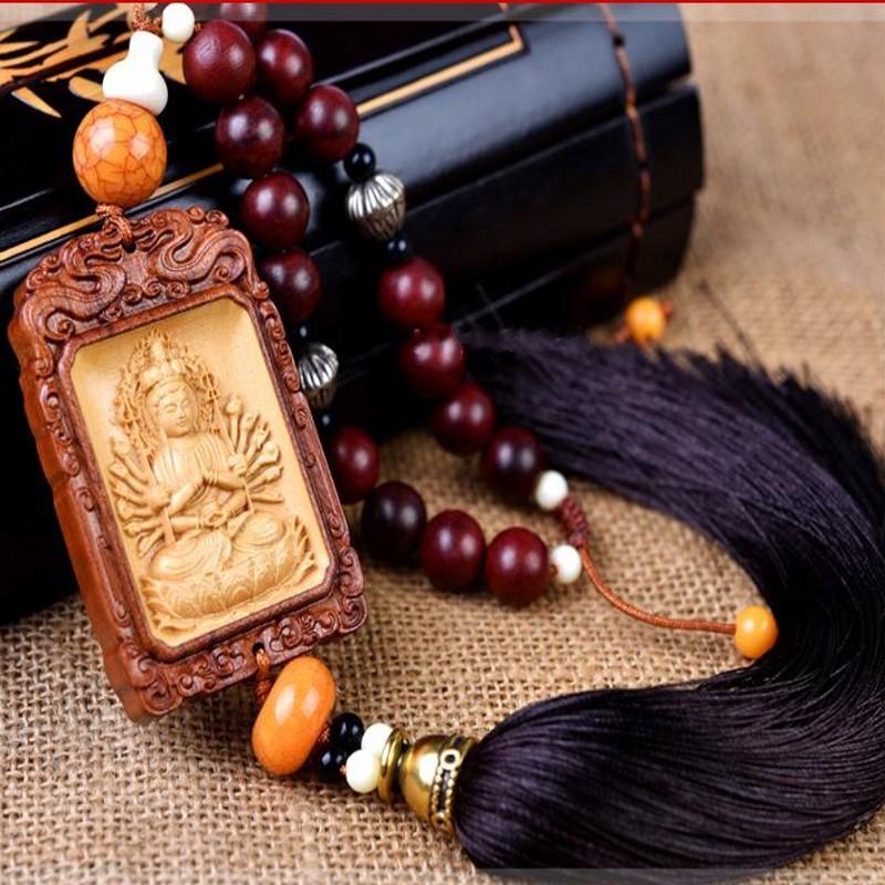 Đồ trang trí móc treo mặt dây chuyền gỗ hình phật may mắn .