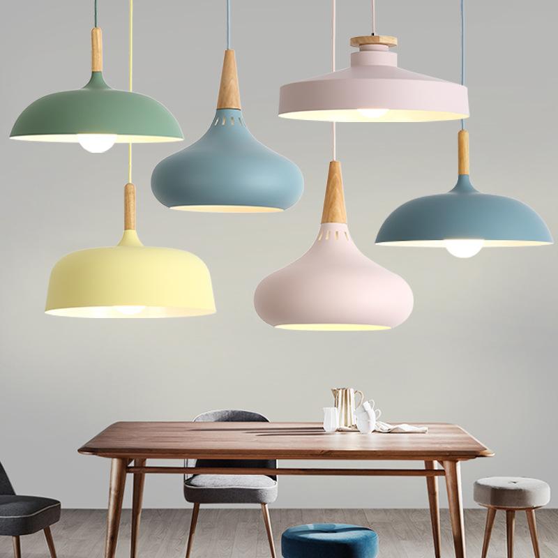 Đèn chùm treo trần trang trí kiểu Bắc Âu cá tính đơn giản sáng tạo.