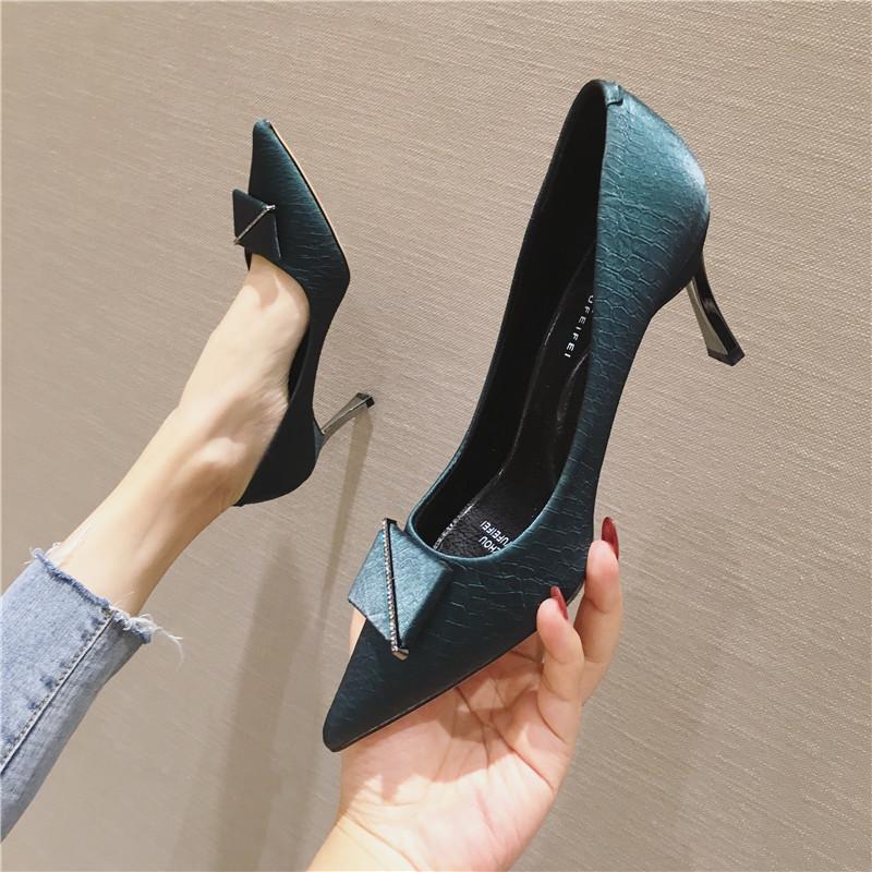 Giày GuangDong Phiên bản Hàn Quốc của giày cao gót nữ mũi nhọn 2019 mùa thu mới gót vuông cao gót vu