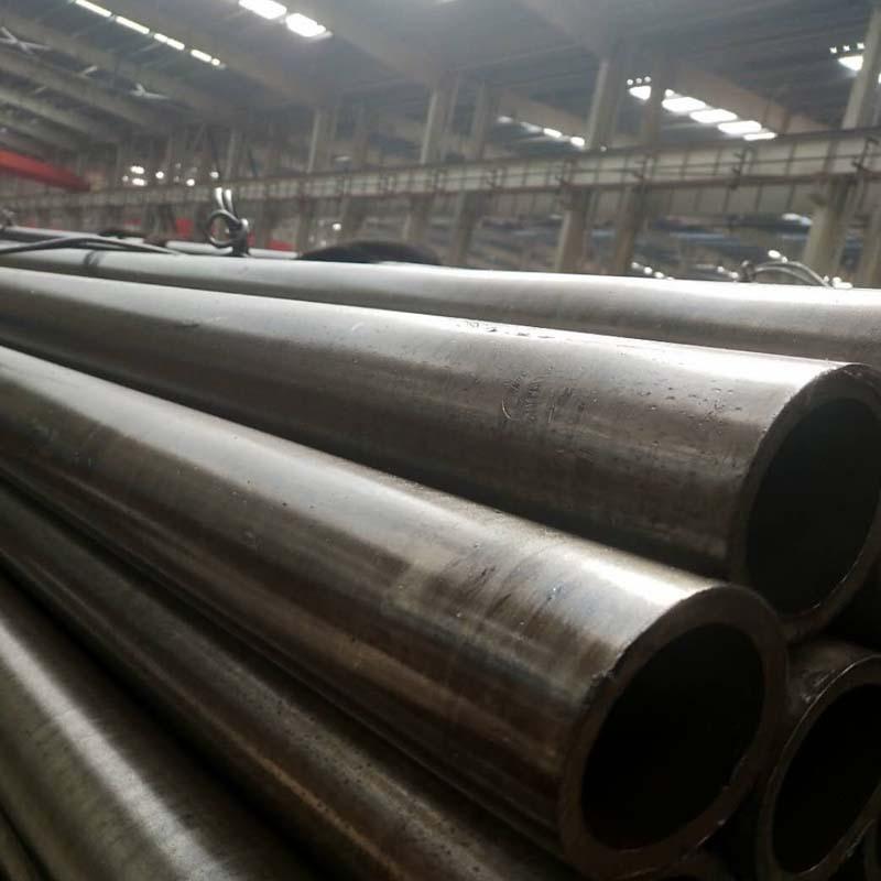 Ống đúc Bán trực tiếp nhà máy 45 # ống thép liền mạch cỡ nòng cán nguội chính xác ống thép liền mạch