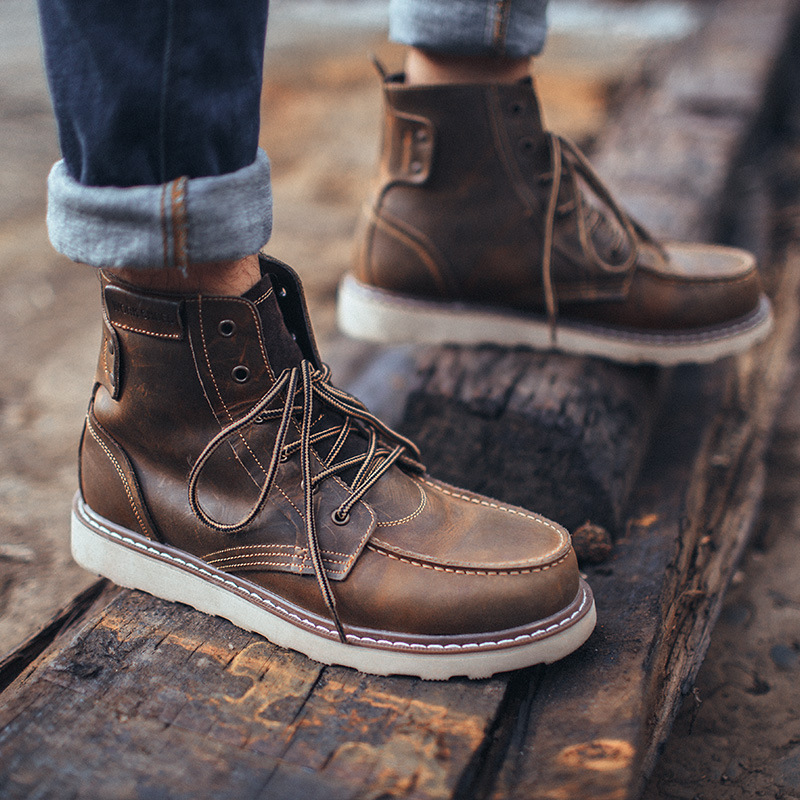 Giày bốt ống ngắn chất liệu da thời trang kiểu retro .