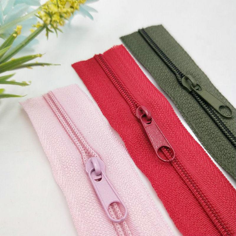 Dây kéo Nylon Zipper Zipper số 3 và số 5 nylon hành lý dây kéo tùy chỉnh đôi đóng kín đuôi nhiều màu