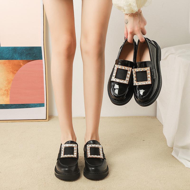 Giày da một lớp Mùa thu 2020 Ouyang Nana với cùng một khóa vuông vuông giày da nhỏ của phụ nữ Anh ph