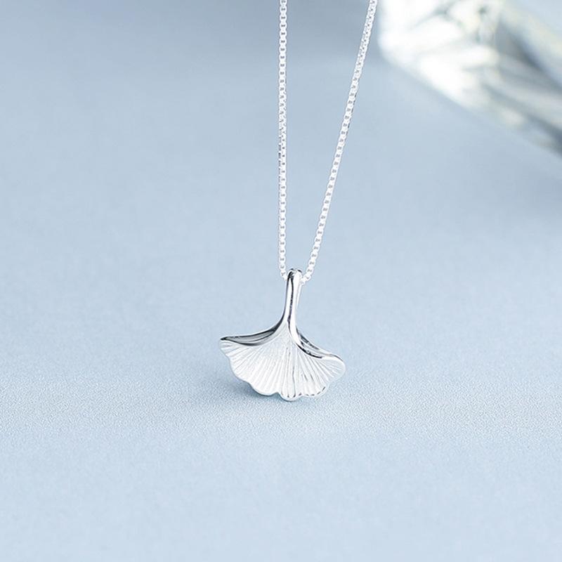 YIJIA Phụ kiện thời trang Trang sức bạc mới 925 mặt dây chuyền bạc mùa hè tươi văn học rừng bạch quả