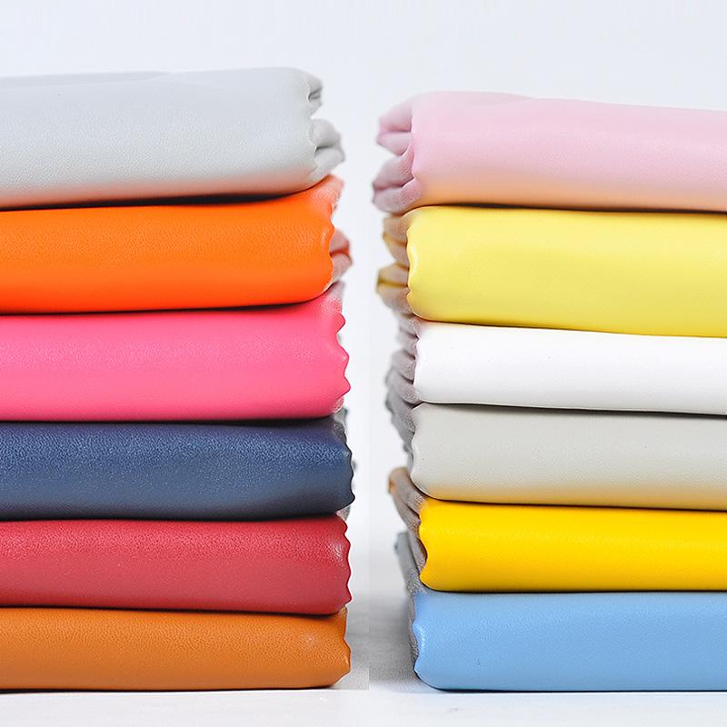 QIXIANG Vật liệu da Nhà máy bán hàng trực tiếp 141 0,6mm da cừu pu da căng vải da cừu mẫu quần áo ch