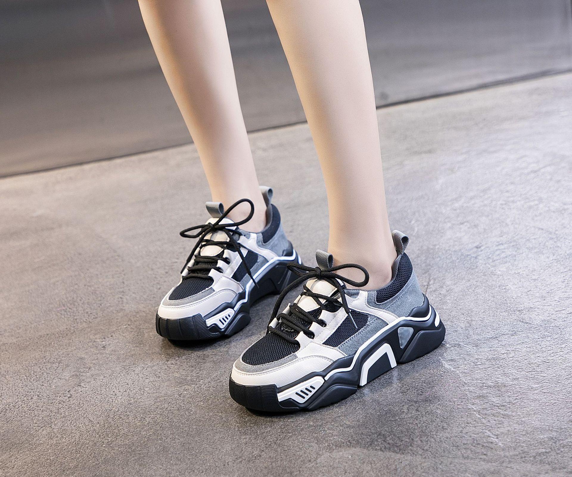 Giày bánh mì Cỡ nhỏ 31 32 33 34 size dày đế mùa xuân và mùa thu bánh xốp thông thường Giày tròn đầu
