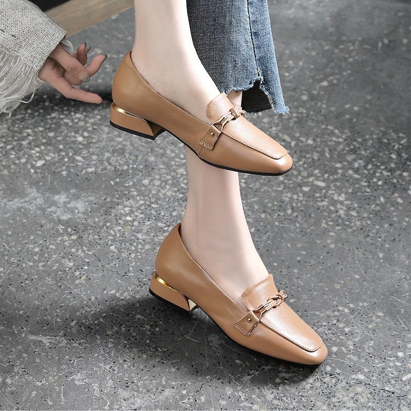 Giày GuangDong 2020 giày mới bằng da bò một lớp mùa xuân và mùa thu giữa giày nữ cao gót cỡ lớn