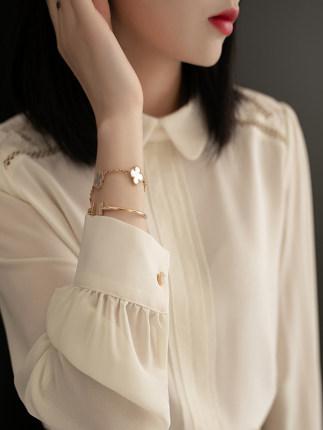 Phong cách Hàn Quốc  2020 Mùa xuân mới Thời trang rỗng Ren hàng đầu Phụ nữ dài tay Búp bê Áo sơ mi c