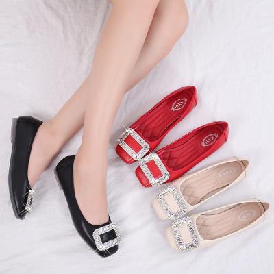 Giày cô dâu Giày đơn nữ Giày đế bằng 2020 mới Hàn Quốc khóa vuông rhinestone đỏ giày cưới thủy triều