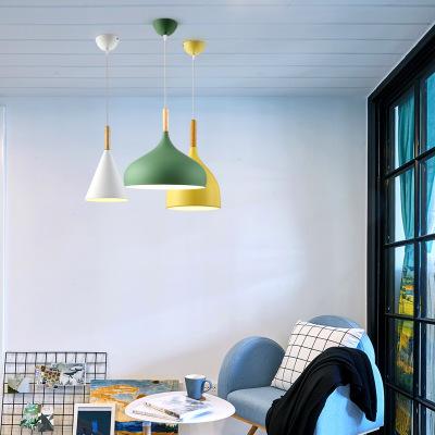 Đèn chùm treo trần nhà trang trí Nordic đơn giản.
