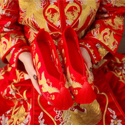 MHDT Giày cô dâu Giày vải Bắc Kinh cũ cô dâu tua rua phong cách dân tộc giày nữ Xiu He giày tăng đầu