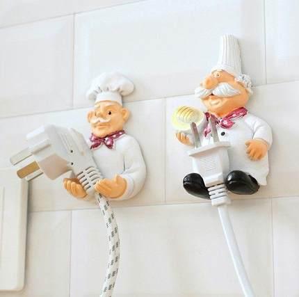 Móc dán tường giữ dây điện .