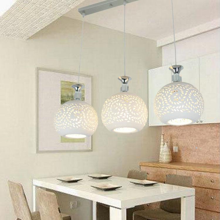 Đèn chùm treo trần trang trí Nhà hàng hiện đại tối giản.