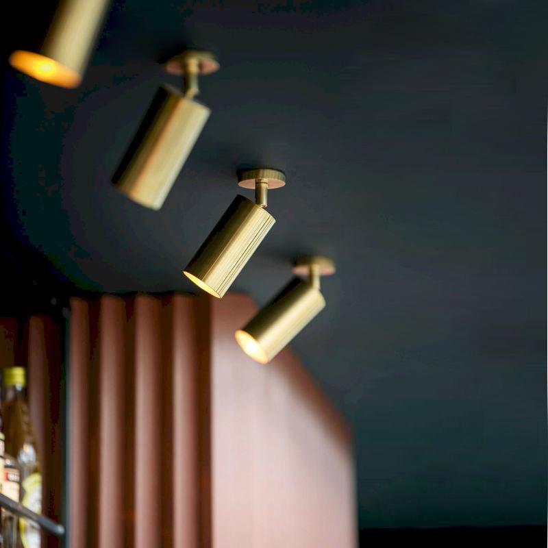 REBLE Đèn LED gắn ray Đèn LED xuyên biên giới vàng kim loại mạ điện trần đèn chiếu sáng theo dõi spo