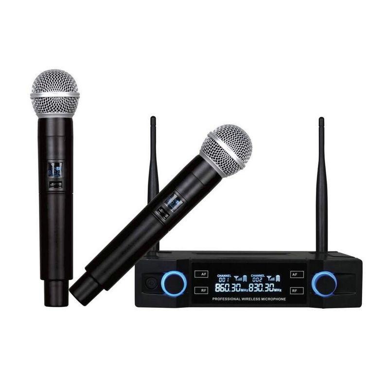 Micro không dây hát karaoke tại nhà .