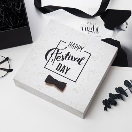 Hộp giấy gói quà tặng tùy chỉnh hình ảnh logo .