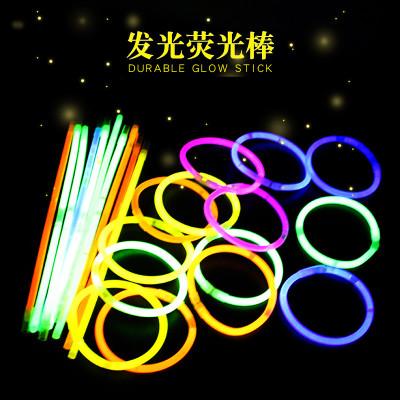 Đồ chơi que phát sáng đầy màu sắc, vòng đeo tay huỳnh quang .