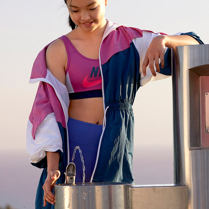 Nike Áo khoác Nike Official NIKE SPORTSWEAR Áo khoác dệt cho nữ CJ2047