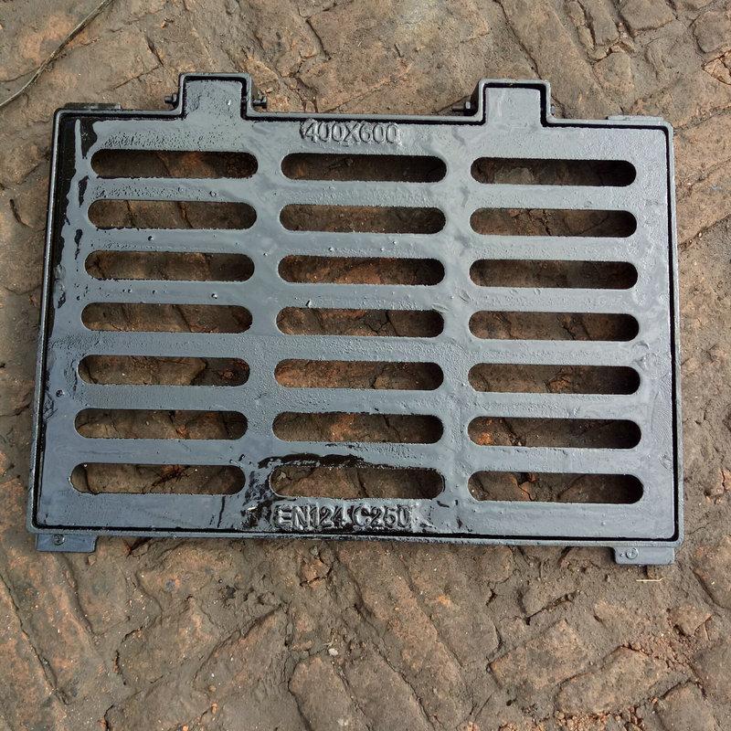 Nắp cống Đúc nắp lưới sắt cống Thoát nước dễ uốn ống sắt nước mưa lưới mương che tấm máng xối