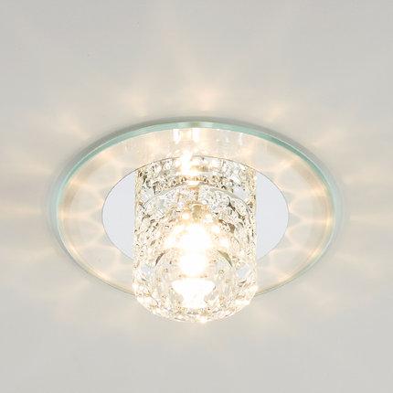 Đèn pha lê chiếu sáng trang trí gắn trần nhà .