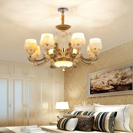 Đèn chùm trang trí Phòng khách theo phong cách châu Âu .