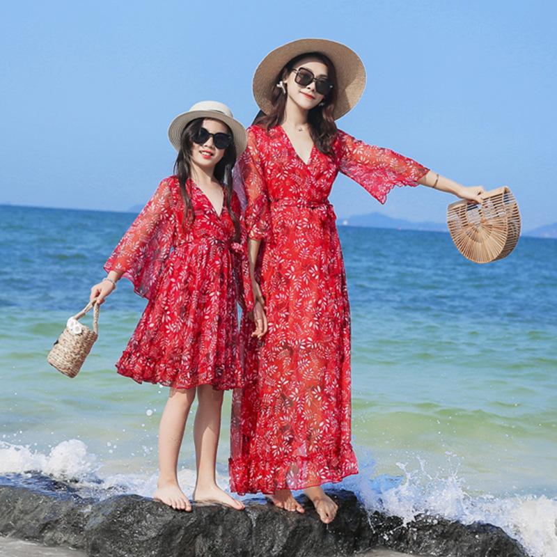 YUBAOBEI Áo thun gia đình Phong cách mới cho kỳ nghỉ của bố mẹ-con váy đỏ cổ cao eo cao váy xòe váy