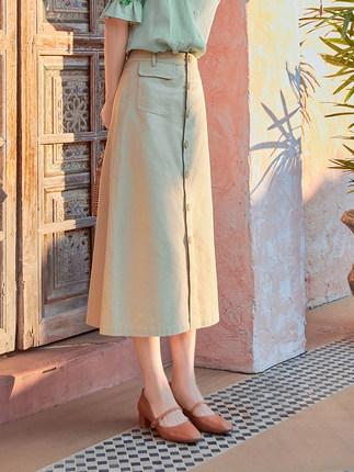 Váy yếm kẻ sọc retro váy dài phần 2020 mùa hè váy cotton mới và nút vải lanh a-line váy nữ đã mỏng