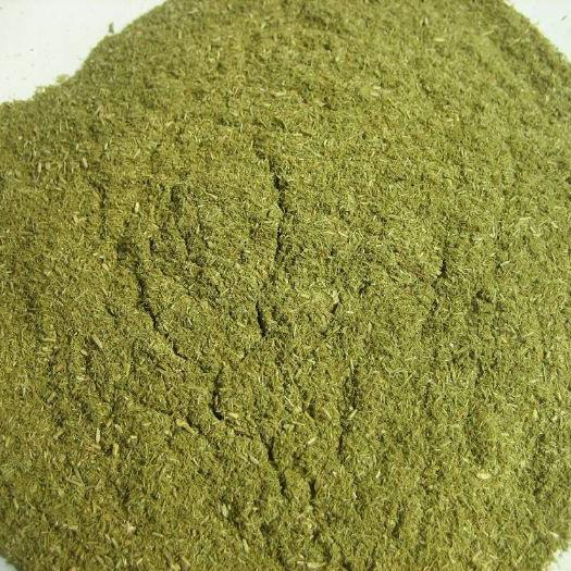 Thức ăn cho gà Cung cấp nguyên liệu thực vật có nguồn gốc từ vitamin cây thông để cải thiện việc nuô