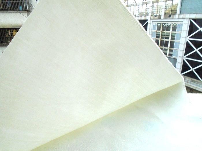 Vải mộc sợi hoá học 370g vải trắng xám cơ sở vải dày và mỏng vải hóa chất sợi vải polyester thẻ poly