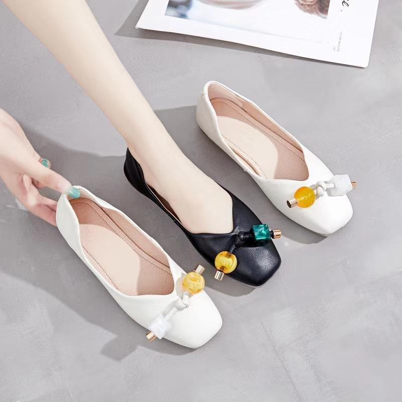 Thị trường giày nữ Giày đơn nữ 2020 mùa thu mới phiên bản Hàn Quốc của đầu vuông hạt khóa nữ dày với