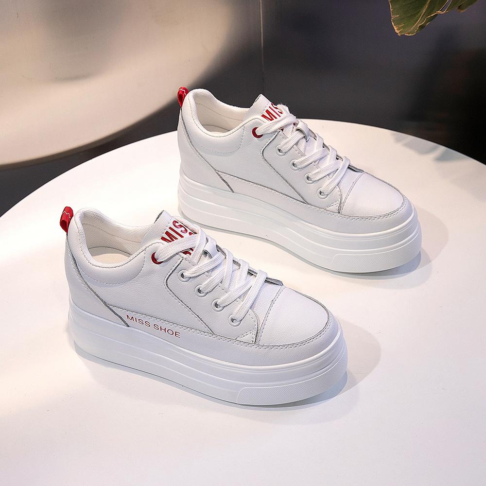 Giày bánh mì Giày nữ Giày nữ năm 2020 Giày đế dày mới 8cm Giày da nhỏ màu trắng Giày thể thao thông