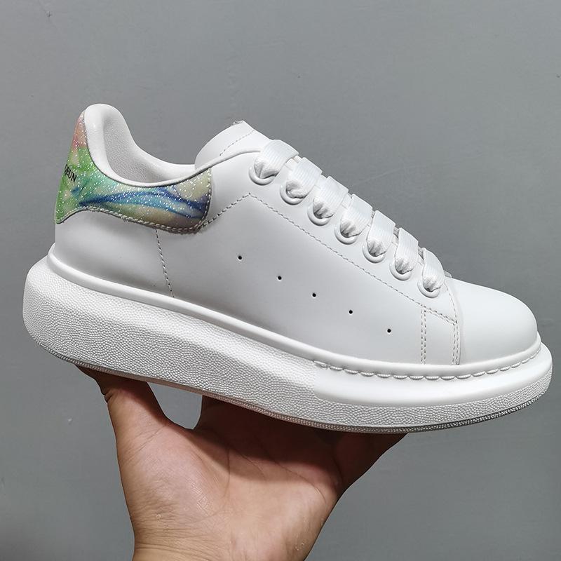 Giày bánh mì Phiên bản cao của đôi giày trắng nhỏ của McQuinda dành cho nữ mùa xuân 2020 đôi giày đế