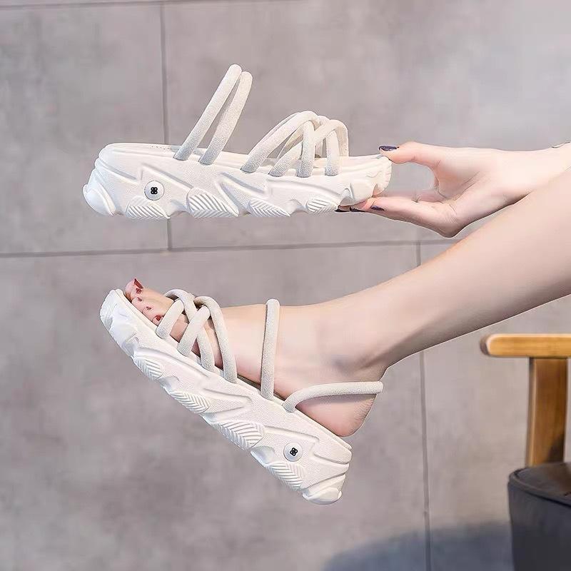 Giày bánh mì Hai đôi dép nữ 2020 mùa hè mới hoang dã thể thao dày đáy dép và dép muffin cổ tích phon