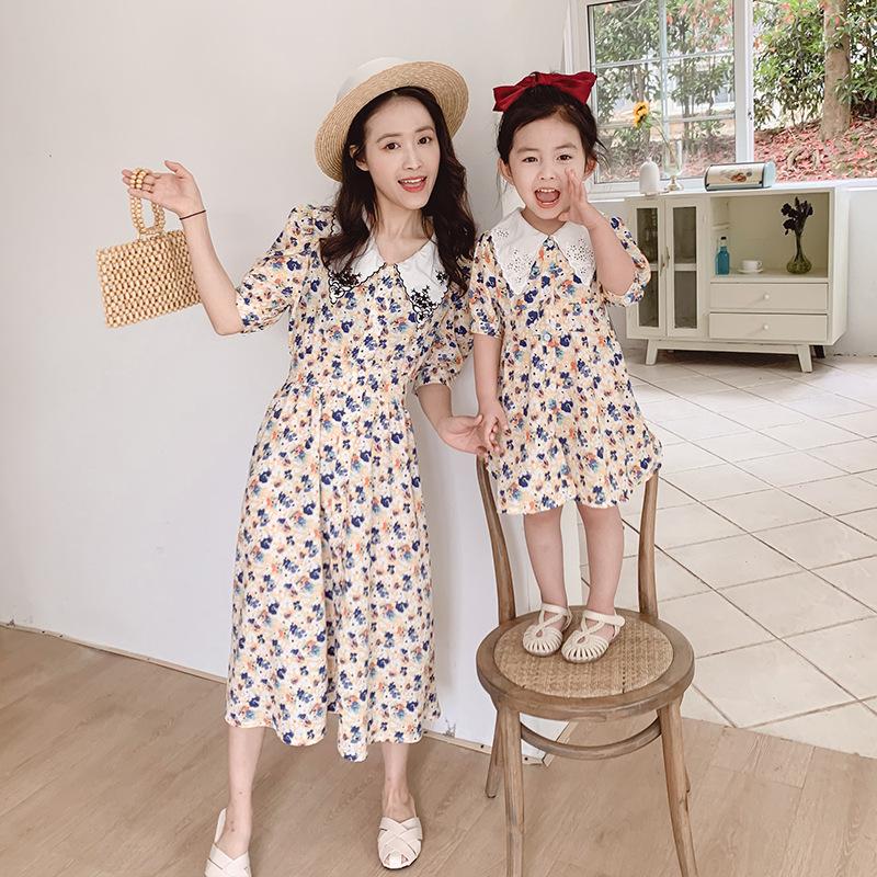Áo thun gia đình Đầm bố mẹ mùa hè 2020 cho bé và phụ nữ mới đầm voan Hàn Quốc hoa nhỏ eo cao