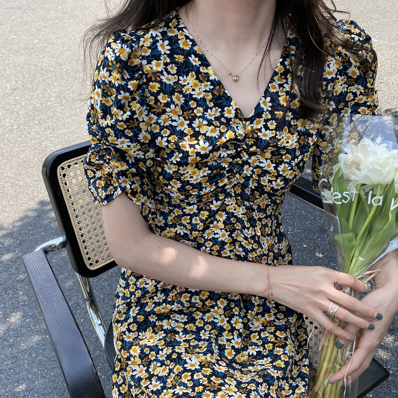 Zhi Cong Xi Đầm 2020 Mùa hè Pháp Retro Daisy Váy tình yêu đầu tiên Váy hoa ngắn tay dài 1759