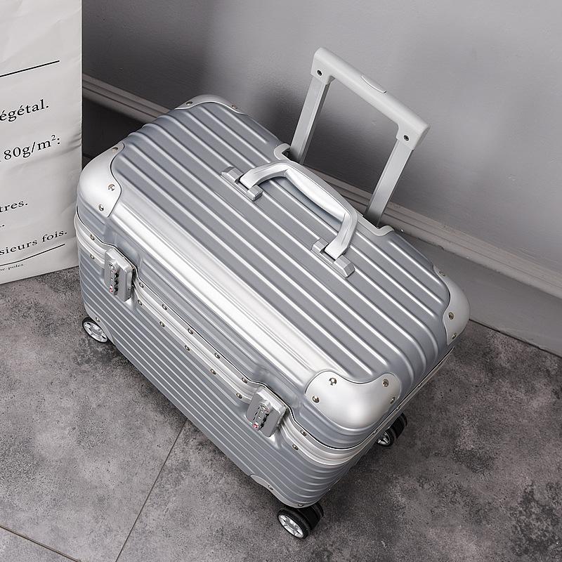 Vali hành lý Chống trầy xước có bánh xe đẩy .