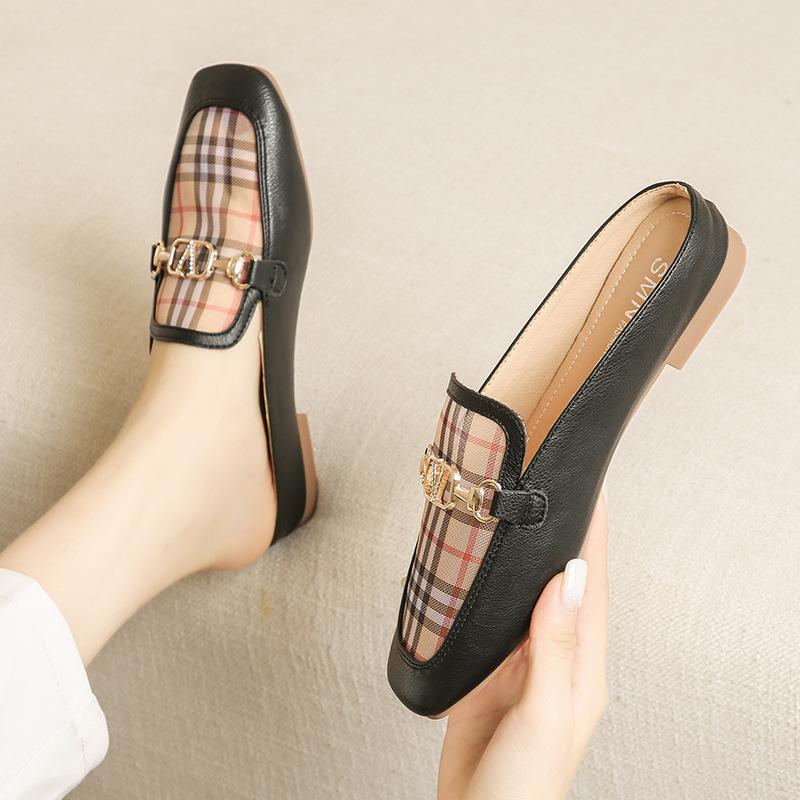 Giày mọi đế bệt kiểu hở gót dành cho nữ