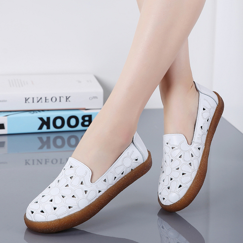 Giày lười bằng da thoáng khí đế bằng kiểu dáng dễ thương cho nữ .