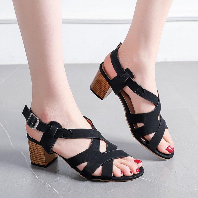 Thị trường giày nữ Mùa hè nước ngoài giày nữ màu rắn cá miệng chéo khóa rỗng túi thấp gót giữa với g