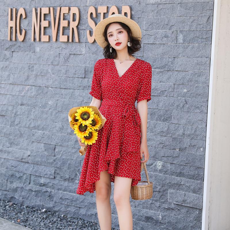 Váy Đầm dự tiệc châu Âu hè 2020 Quần áo phụ nữ mới hè một mảnh váy cúc nhỏ mùa hè bùng nổ