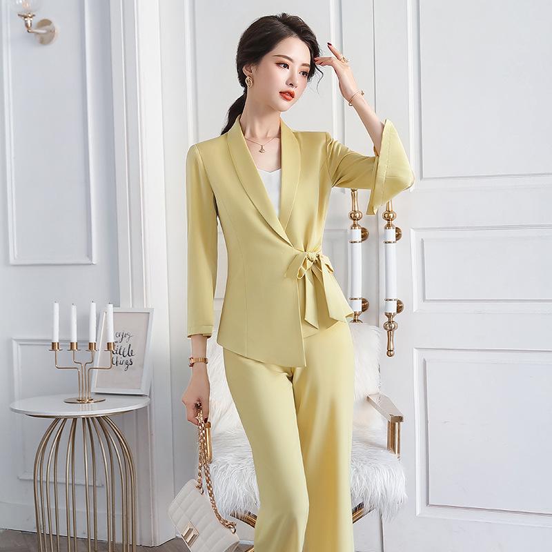 Đồ Suits 2020 chuyên nghiệp mới mặc trang phục phù hợp với khí chất thời trang OL