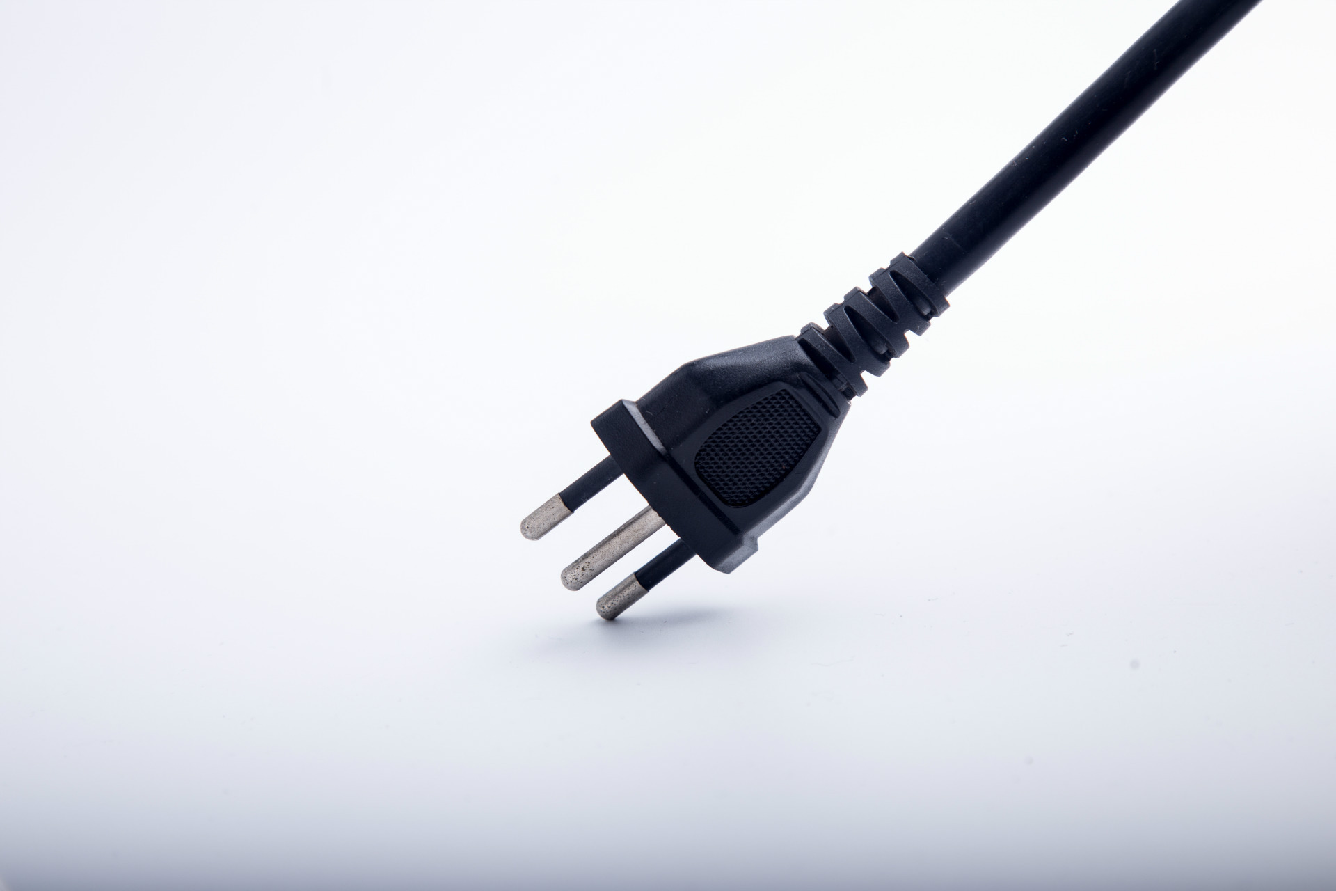 MY Supply AC power cords all over the world, European style, American style, British style, Middle E