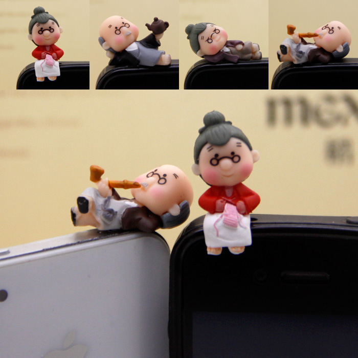 LAOZHEN Cartoon parents-in-law life version 3.5mm headphone jack universal cartoon mobile phone dust