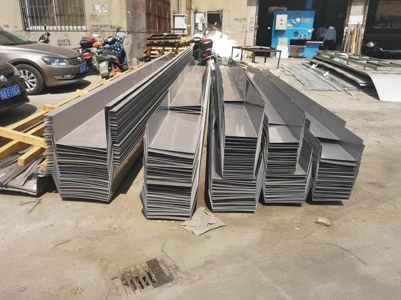 304 stainless steel gutter sink processing and bending customization 201 customized 1mm2mm3mm sink l