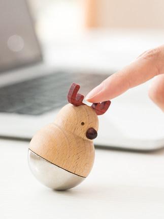 Đồ trang trí bằng gỗ  Bàn trang trí cốc nhỏ đồ trang trí đồ thủ công bằng gỗ trái tim cô gái sáng tạ