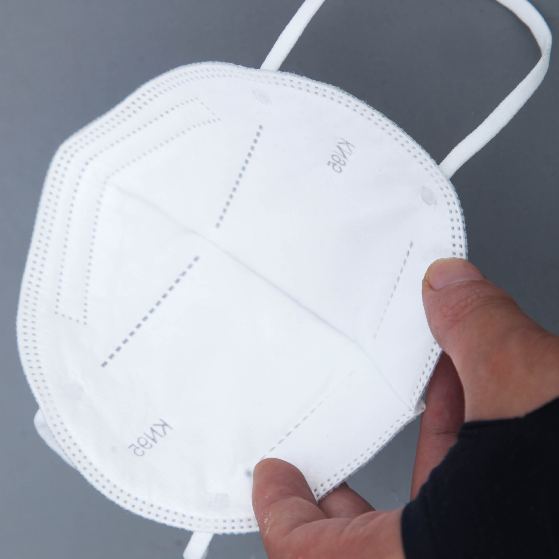 MANLI Disposable flat mask three-layer protection dust-proof filter civilian spot KN95 mask white bo