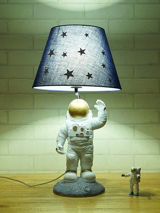 thị trường nội thất , đèn Đèn bàn phòng trẻ em Spaceman Đơn giản sáng tạo Cá tính hiện đại hoạt hình