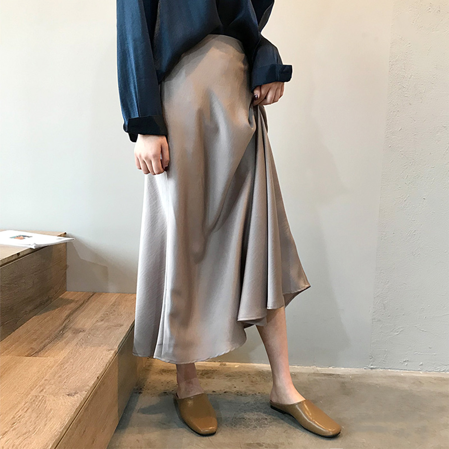 Yanshuang 2020 autumn new satin high waist skirt with hip fishtail skirt retro skirt long skirt fema